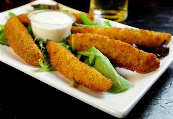 ba423b89-10d6-44da-974b-d52e8f69ef61_deep fried pickles