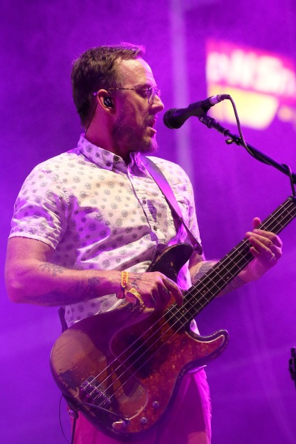 LAS VEGAS, NV - SEPTEMBER 27: Musician Scott Shriner of Weezer performs onstage during day 3 of the 2015 Life Is Beautiful Festival on September 27, 2015 in Las Vegas, Nevada. (Photo by FilmMagic/FilmMagic)