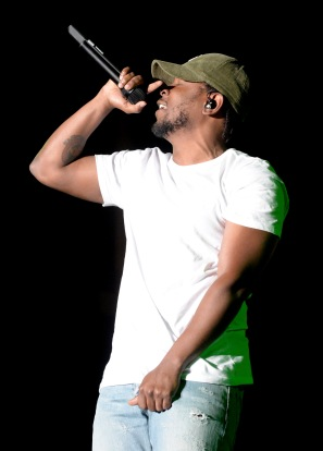 LAS VEGAS, NV - SEPTEMBER 27: Recording artist Kendrick Lamar performs onstage during day 3 of the 2015 Life Is Beautiful Festival on September 27, 2015 in Las Vegas, Nevada. (Photo by Jeff Kravitz/FilmMagic)